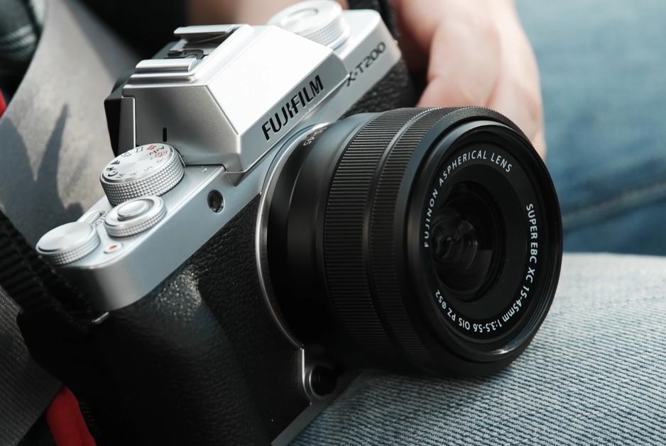Die neue Systemkamera X-T200 von Fuji